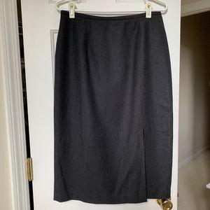 VALERIE STEVENS Skirt with front slit NWOT